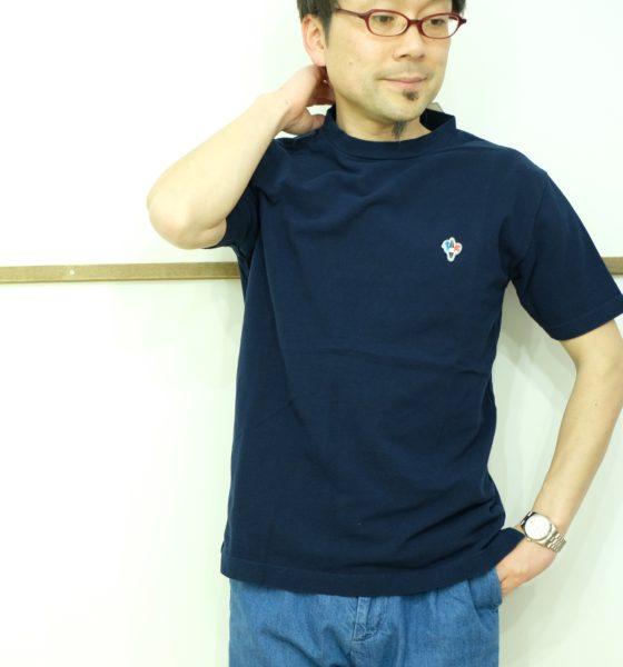 ARVOR MAREE ピケ素材のモックネック半袖シャツ
