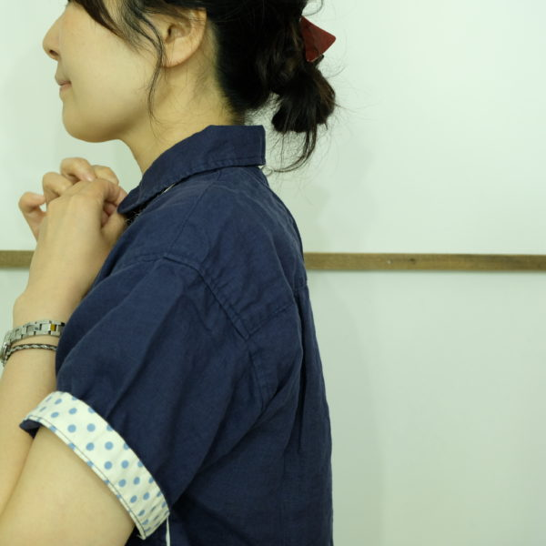 快晴堂 カラーリネンのシャツ