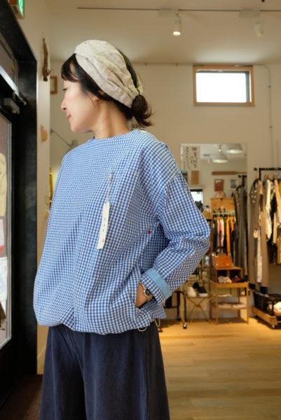 快晴堂 ギンガムのプルオーバーシャツ
