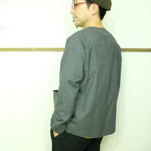 ESTROISLOSE ノーカラーのジャケット