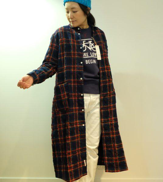 快晴堂 タータンチェックのシャツワンピース