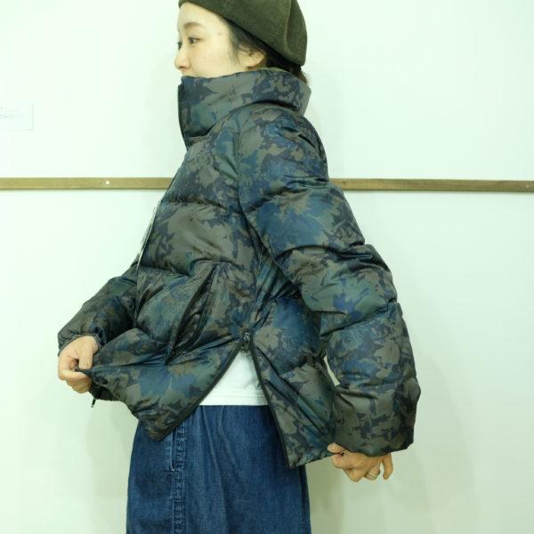 ブランバスク 高密度タフタのプリントダウンジャケット