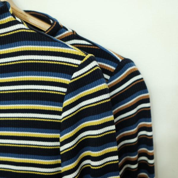 ayane マルチボーダーのTシャツドワイドパンツ