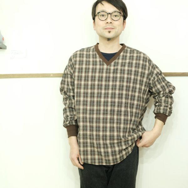 男のKELEN Vネックのプルオーバーシャツ