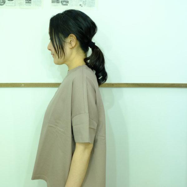 travail manuel クラシック天竺のスリットTシャツ
