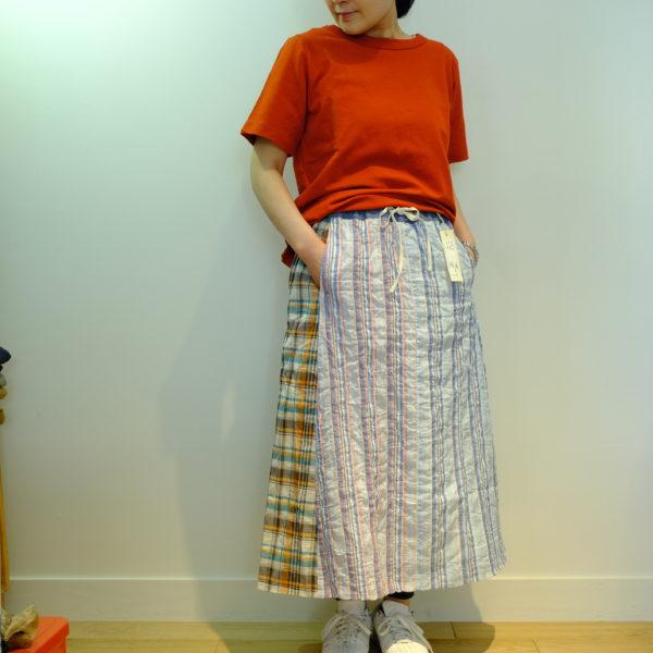 快晴堂 ゆらぎチェック&ストライプのスカート