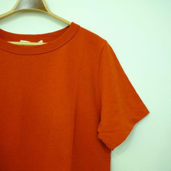tumugu インレー素材のTシャツ