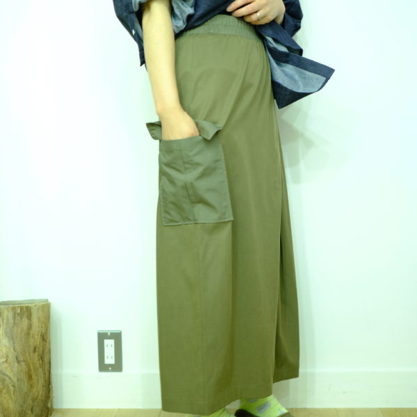 isato design works キュプラストレッチのセミタイトスカート