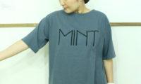 tumuguのTシャツで、快適に構想を練ってみるお盆。
