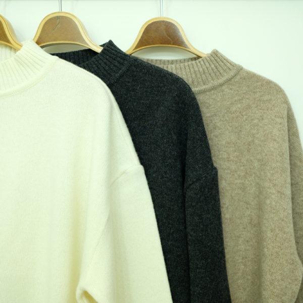 Commencement ハイネックセーター