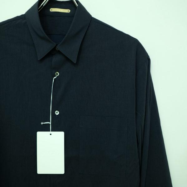 LA MOND バックサテンのシャツ