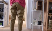 ケレンのテーパードチノパンツ。チロの散歩にも!
