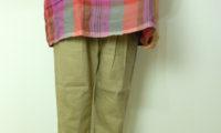 動静に注目!トラバイユマニュアルのリネンレーヨンストレッチのスラントパンツ。